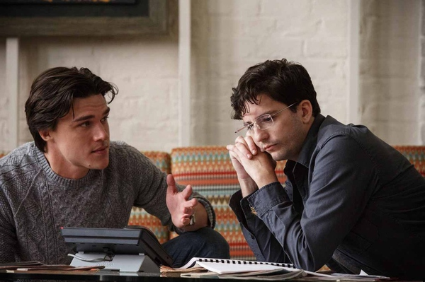Left to right: Finn Wittrock plays Jamie Shipley and John Magaro plays Charlie Geller in The Big Short from Paramount Pictures and Regency Enterprises